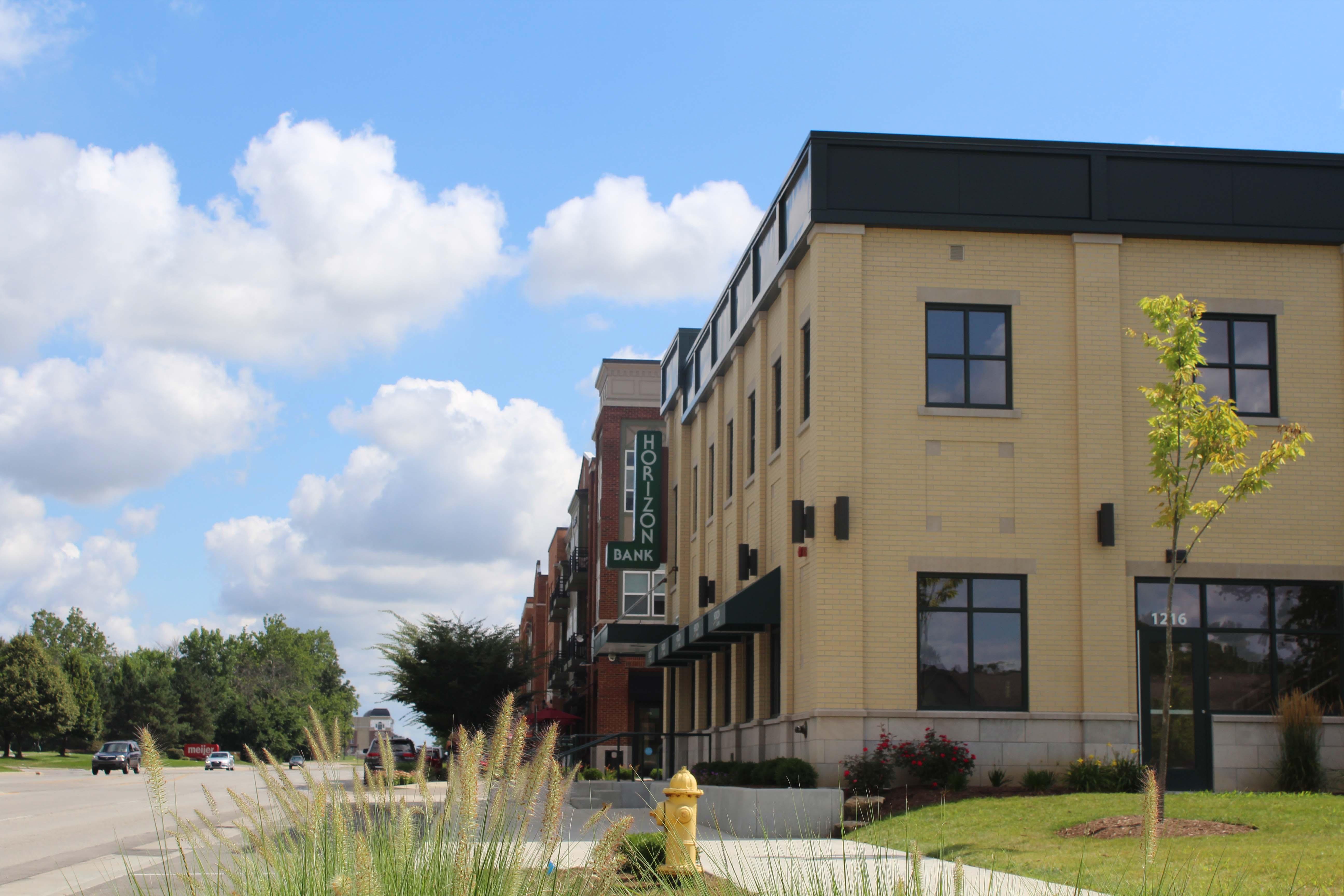 Horizon Bank Carmel exterior back view