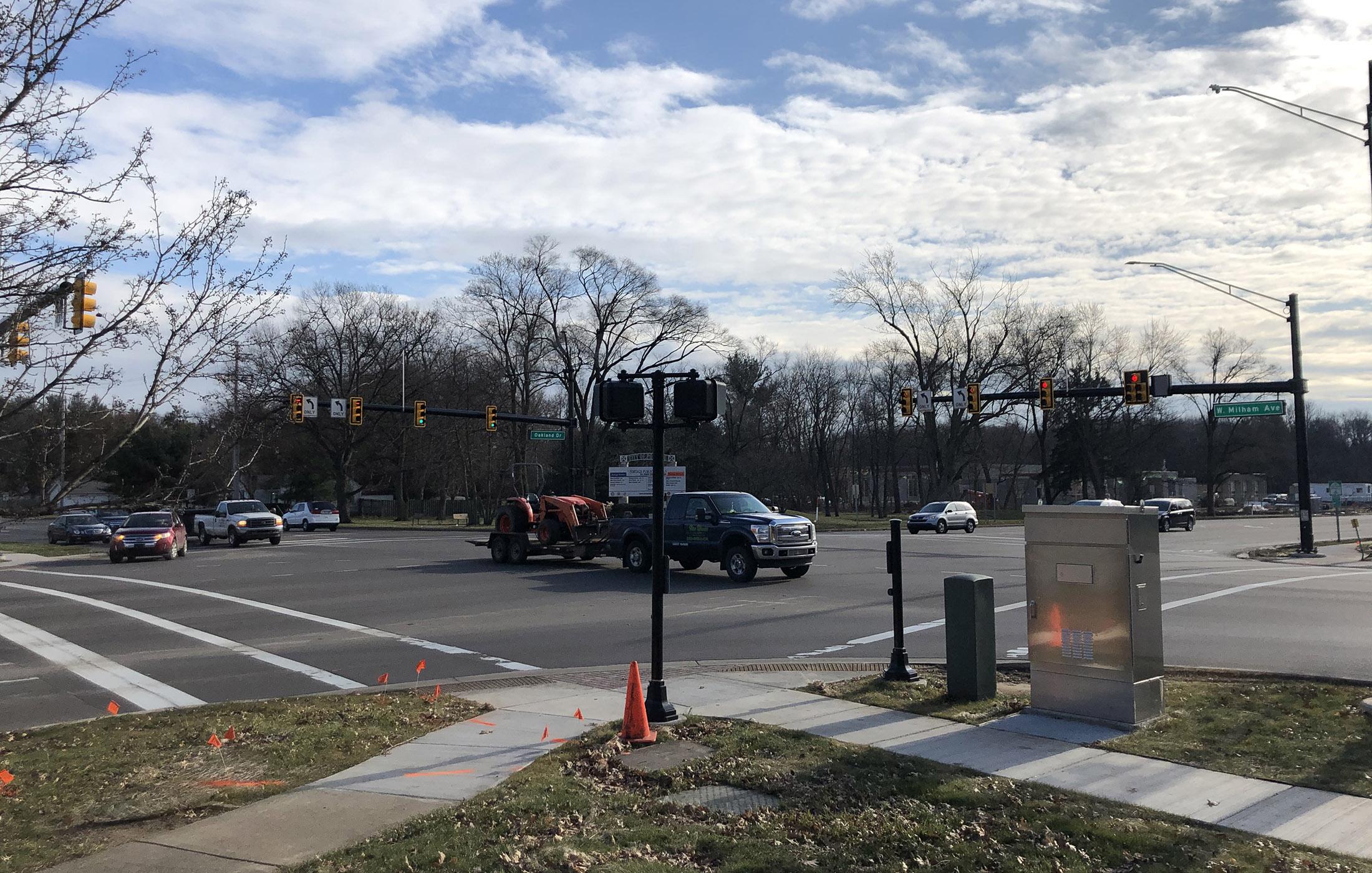 Milham Ave Signals at Oakland Drive