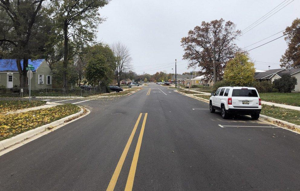 Idaho Avenue with Onstreet Parking