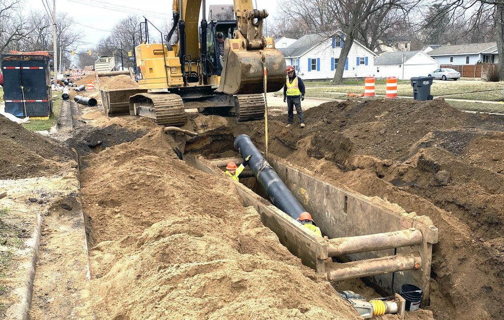 Installing 16 inch water main